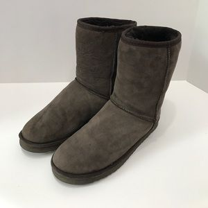 UGG Shoes - UGG Classic Short Chocolate Boots - lightly used