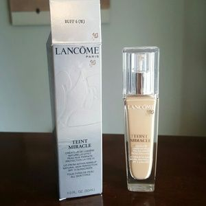 Lancome Other - Lancome Teint Miracle Foundation