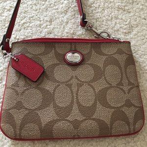 coach wristlet outlet store online nzw5  Coach Handbags