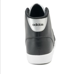 le adidas neo cloudfoam qt meta giornaliera massima delle scarpe da ginnastica poshmark