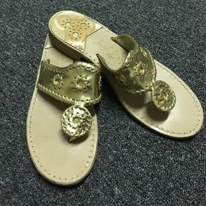 Jack Rogers Shoes - Gold Jack Rogers Hamptons size 8
