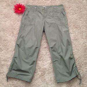 GAP Pants - Gap Capri Pants
