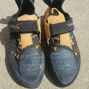 Scarpa Shoes - Scarpa Instincts climbing shoes