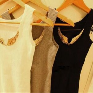 DARLING Tops - 🆕 SWEET BLACK TANK TOP WITH GOLD WINGS