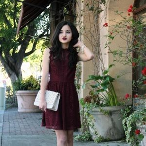 {soprano} 🌿 berry red lace high neck dress