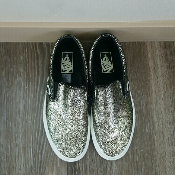 e5b89ffe2a Vans original slip on sneakers black and gold