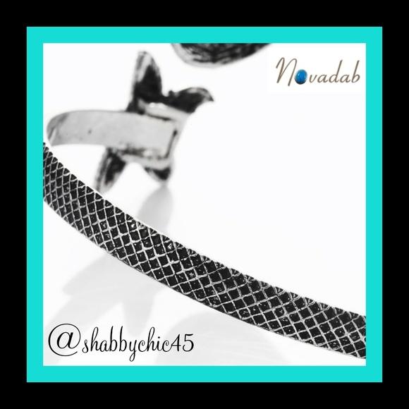 Boutique Jewelry - *HP*  Mermaids & Starfish Bangle Bracelet