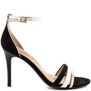 Isaac Mizrahi Shoes - Flash Sale 🎉Isaac Mizrahi open toe sandals