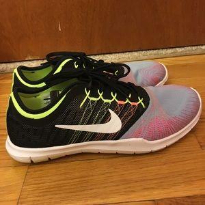Nike running shoes sz 7.5