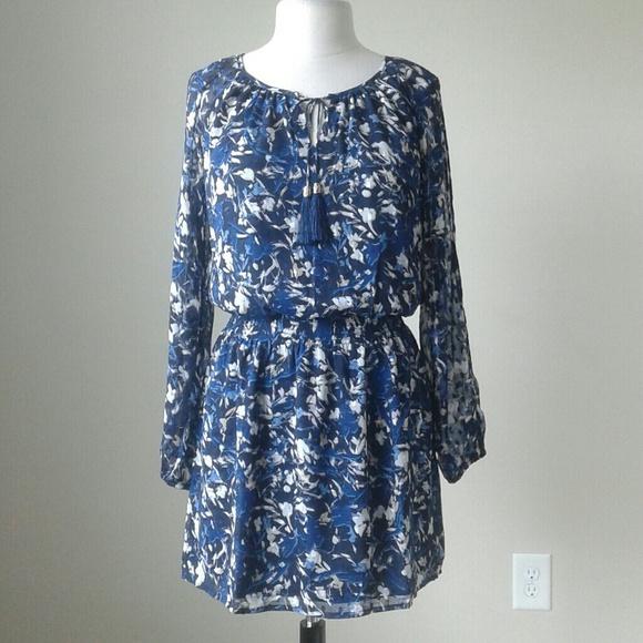 4febde5fc51b9 White House Black Market Dresses | Long Split Sleeve Abstract Blue ...