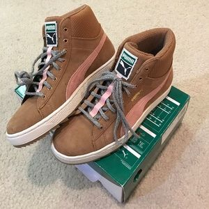 Puma Shoes - Gorgeous Puma suede high tops in caramel and pink