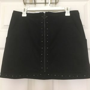 American Eagle Outfitters Dresses & Skirts - Faux Suede full front zip skirt
