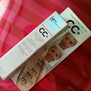 It Cosmetics cc cream sample in medium