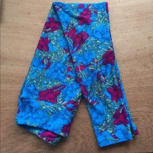 Amazing Lularoe OS leggings, FLORAL!!