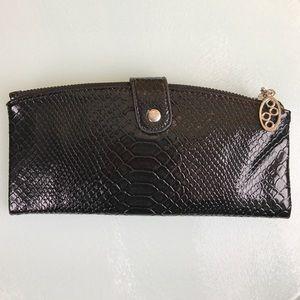 Handbags - 5 for $25 NWT Black Faux Snakeskin Clutch Wallet
