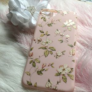 iPhone 7+ pink floral phone case