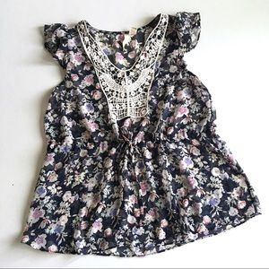 Red Camel Tops - Floral Sleeveless Tie Front Blouse D3