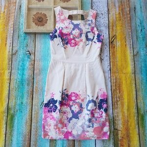 Oasis Dresses & Skirts - Oasis Floral Pleated Keyhole Back Day Dress 10