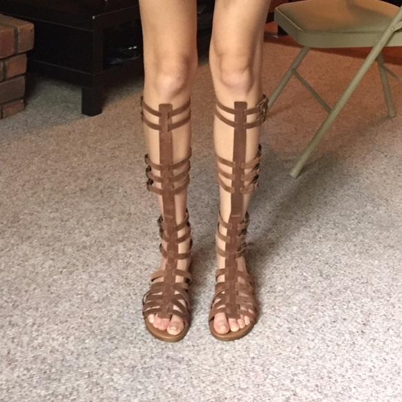 f1643c22c68 Steve Madden brown suede Sparta Gladiator Sandals.  M 590652288f0fc441590b9039