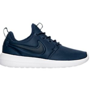 Nike Shoes - Nike Roshe Two shoes