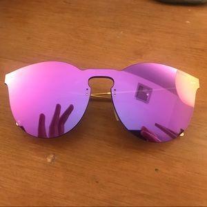 Illesteva Accessories - Illesteva violet mask sunglasses with storage
