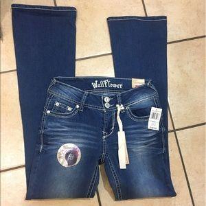 Wallflower Denim - Wallflower jeans curvy bootcut