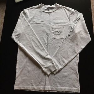 Vineyard Vines Other - Men's Vineyard Vines Long sleeve Beach Whale