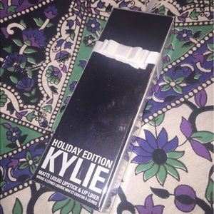 Kylie Cosmetics Other - Kylie cosmetics holiday edition merry lip kit