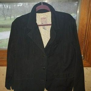 2x black blazer