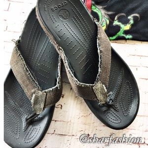Other - Casual Crocs flip flop