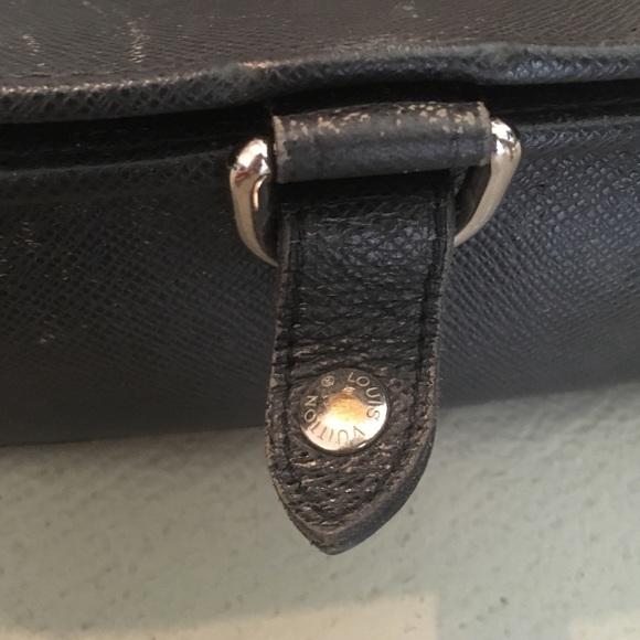 90% off Louis Vuitton Handbags