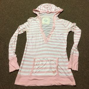 American Eagle Outfitters Tops - American Eagle Pull Over Hoodie