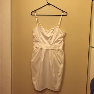 H&M Dresses & Skirts - White dress. Good for a fancy occasion. Worn once!
