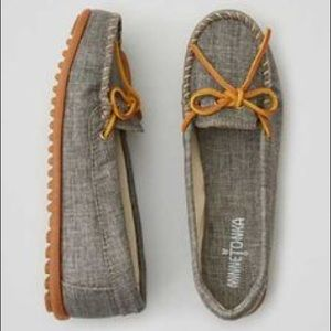 Minnetonka Shoes - Minnetonka canvas moccasins