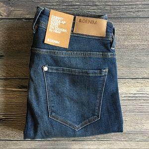 NWT H&M Skinny Regular Waist jeans 27x32