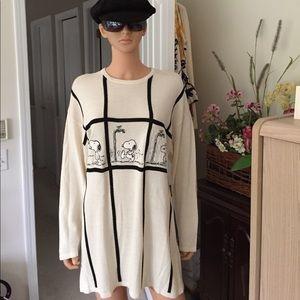Iceberg Sweaters - Iceberg... Snoopy knit sweater