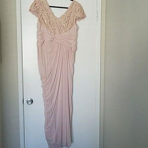 Adrianna Papell Dresses & Skirts - Blush chiffon dress