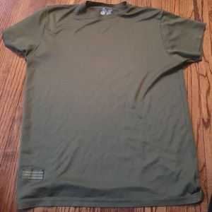 Under Armour Other - Men's under armour army green t-shirt size large