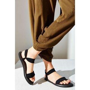 Sanuk Shoes - Sanuk Debut Black Yoga Sandals