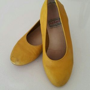 Kickers  Other - Vintage yellow Kickers slip on