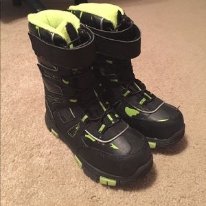Quest Other - Kids Snow boots!