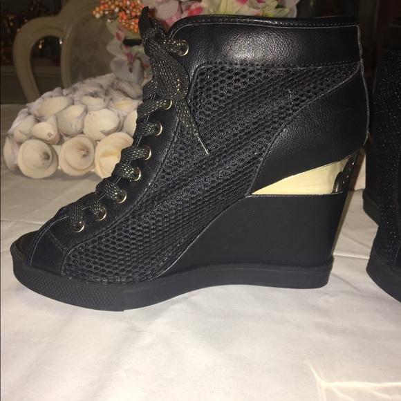 58 aldo shoes brand new aldo black and gold shoes