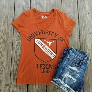 Sz. M Texas Longhorn orange t shirt. Great cond.