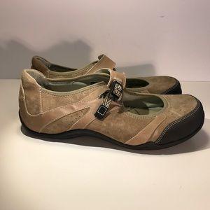 Ahnu Shoes - Ahnu Benicia II - Mary Jane Sneaker in Mushroom