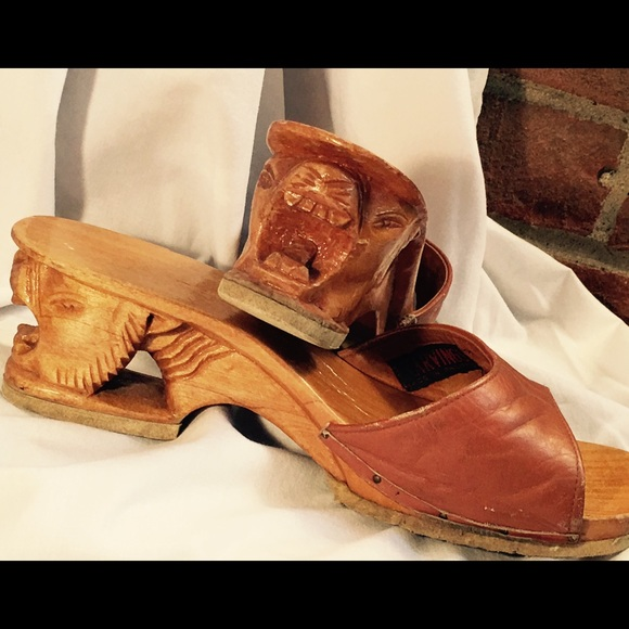 8238f8a59aef Karvings Shoes - Unique Vintage Sandals by Karvings. Size 9