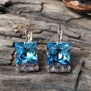 Jewelry - Handcrafted earrings with Swarovski crystal #182