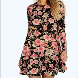 Boohoo Dresses & Skirts - BOOHOO Juliette Floral Print Knit Swing Dress