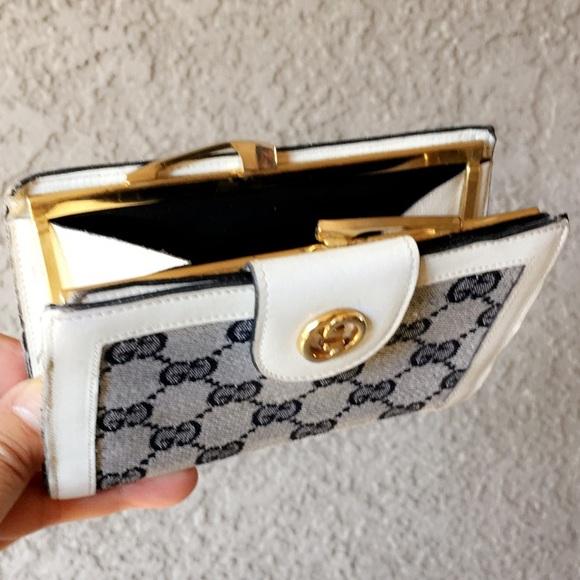 d08c92faf7a8 Gucci Handbags - 💯AUTH GUCCI VINTAGE FIOCCHI LECCO KISSLOCK WALLET