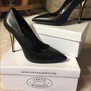 Steve Madden Shoes - Steve Madden Leena
