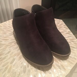 Journee Collection Shoes - Size 7 faux suede bootie